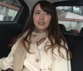 (ヒトヅマムービー)《美魔女》純粋な奥さんがダンナには見せないセックス☆な姿を晒す