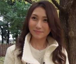【人妻動画】《奥さまキャッチ》タレント風の美貌なヨメさんがナゼ他人に抱かれる