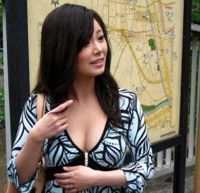 【人妻動画】(ヒトヅマキャッチ)素敵でイカすシロウト女性を求めて声かけてハメまくり