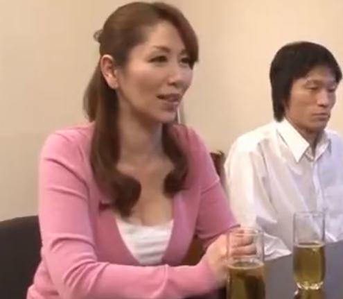 【人妻動画】《痴ジョ》溺愛するJrの為にオチンチンを食べまくるドSな美巨乳おばさん