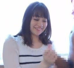 【人妻動画】《ヒトヅマキャッチ》あぁ凄い・・カチカチの勃起したチンを射精に導く奥さん