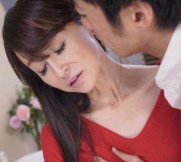 (ヒトヅマムービー)《初撮り美魔女》もともと主人とのHは少なかったんです☆性欲が覚醒した奥さん
