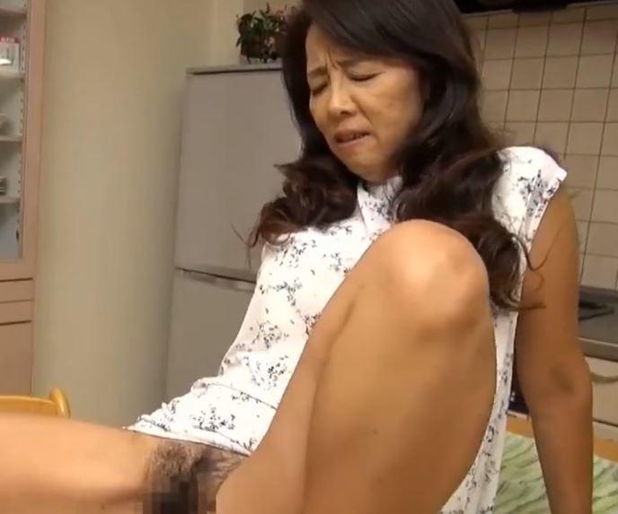 (ヒトヅマムービー)《還暦おばさん》使い込んだ膣内内を責められて女の喜びが再び蘇る