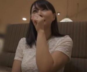 (ヒトヅマムービー)《奥さまキャッチ》純粋に見えるヨメさんのドSな姿が暴かれてしまう