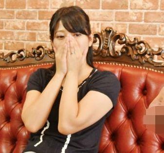 (ヒトヅマムービー)《ズリセン観賞》ダンナのより美味しそ~☆と膣内内がヌレヌレ・・発情