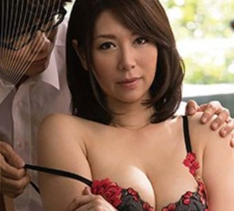 《母子〇姦》熟れた膣蜜が新鮮な肉棒を包み込む乱れた欲望が始まる