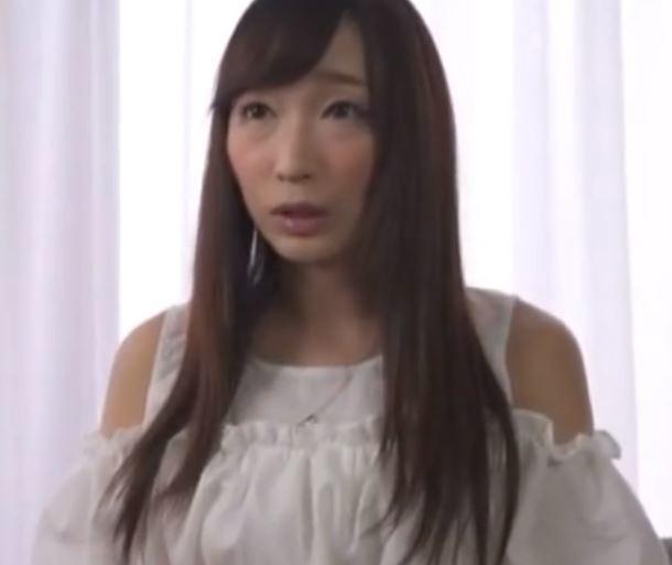 【人妻動画】《ヒトヅマキャッチ》超美形で超美巨乳の金持ち妻たちをなし崩し的に脱がせていきます