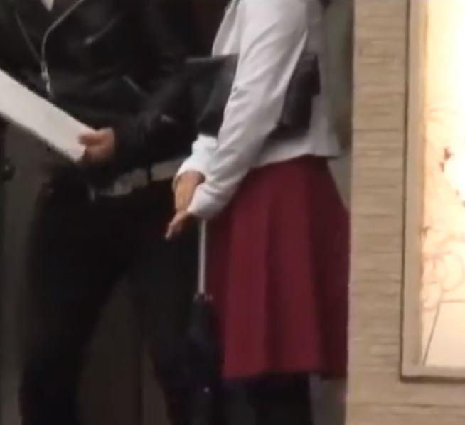 【人妻動画】《ヒトヅマキャッチ》お色気ムンムンな清楚な奥さんはヤングちんこが大好物です
