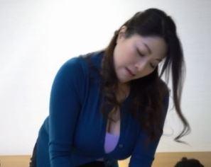 (ヒトヅマムービー)デカ乳むっちりヒトヅマと二人っきり☆このシチュエーションがまた刺激を増幅させてしまう☆