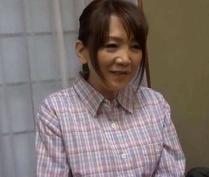 (ヒトヅマムービー)《おばさん》都会のヒトヅマとはひと味違う☆これが田舎流のおもてなし