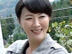 【熟女・人妻動画】知人に誘われ色欲を満たすオバさん-円城ひとみ
