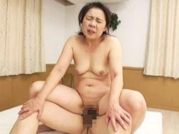 【五十路】若者との性交で乱れる淫乱オバさん大槻美登利