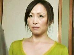 【ヘンリー塚本】拒む男に裸を見せつけて性行為を迫るオバさん 美山蘭子