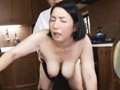 【四十路】後背位でふくよかな体を揺らせる主婦石井麻奈美