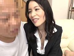 【四十路】体を使って商品を買わそうとするオバさん 井上綾子