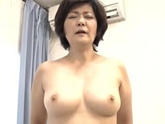 【五十路】むっちりしたマダムが年下の男に種付けされる!山口寿恵