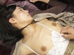 【ヘンリー塚本】意識が無い時に生SEXされた主婦 平岡里枝子