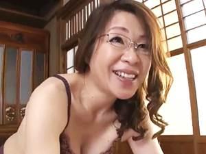 【五十路】若者の精液を空っぽまで搾り取るベテラン教諭たち③