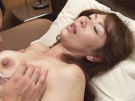 【四十路】その熟れた体で年下を惑わす麗しの夫人① 翔田千里