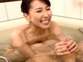 木村はな〈四十路〉家出奥さんが泊めてくれたお礼に性交渉で恩返し