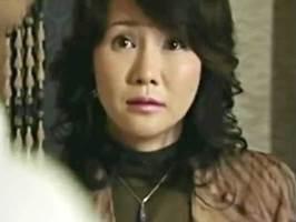 赤坂ルナ〈ヘンリー塚本〉バスで乗り合わせた男とホテルに向かう尻軽マダム