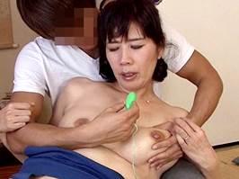 樋口麗〈五十路〉久しぶりの交尾に股間が淫汁でベトベトになるマダム