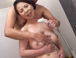 湯沢多喜子〈五十路〉スタイル抜群の巨乳マダムが若いチ○ポに悶絶アクメ