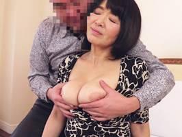 上島美都子〈五十路〉熟女好きの年下とウキウキでホテルへ行くオバちゃん