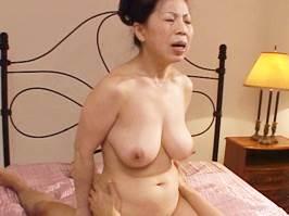 湯沢多喜子(五十路)若者のチ○ポで交尾しまくる淫乱主婦