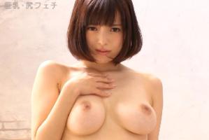 夢川エマ、巨乳アイドルのディープなフェラチオ