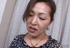 宮田かおる、息子が興奮するほどの母親の淫らな