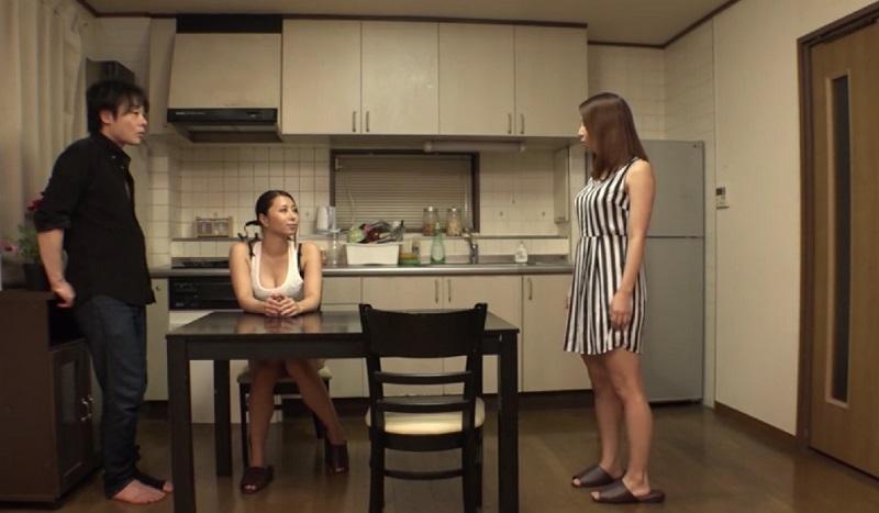 【無修正】ほんとにあったHな話!姉と姉の彼氏が同棲してる部屋に行った妹が姉のフリをして姉の彼氏と中出しSEX