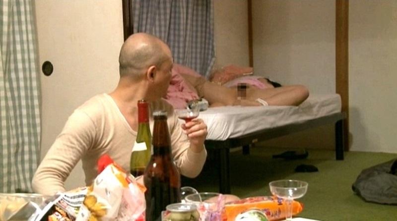 【泥酔女】Part1☆泥酔した人妻やOLをここぞとばかりにハメてしまう!チ○ポ突っ込まれても酔ってるから気づかないw