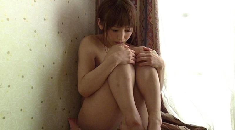 キチ○イ親父に種付け中出しされ5人もコドモを出産した娘がキチ○イ親父から逃げるため犯罪者に・・・