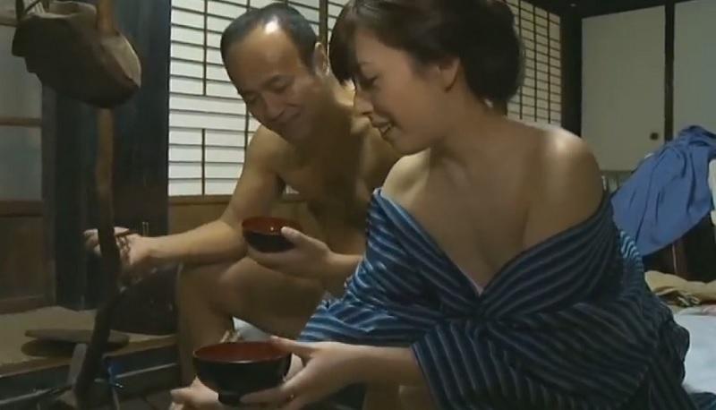 【ヘンリー塚本】寒くて厳しい昭和の冬に囲炉裏と火鉢で暖を取り、酒を一杯ひっかけながら女体を愛でる風情