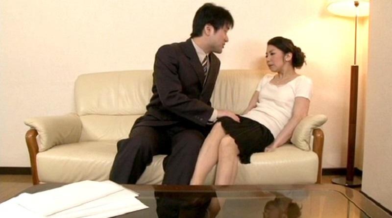 【人妻 犯され願望】夫以外の男性経験のない人妻の密かな願望は知らない男に犯されたい事だった【由比和美】