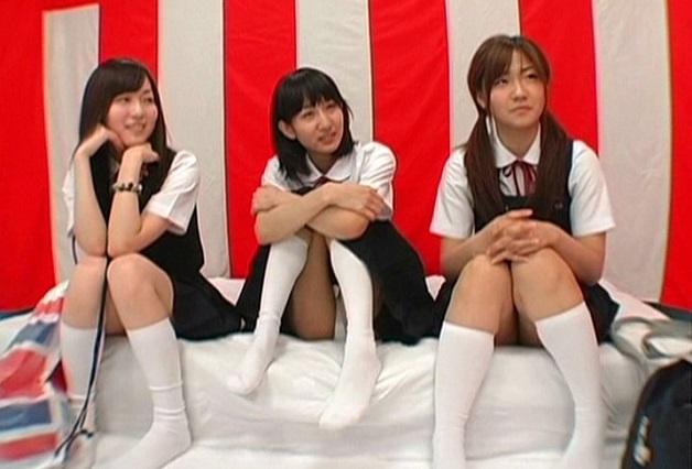 地方から東京に上京してきた修学旅行の女子校生たちをバラエティ番組撮影と称してMM号に連れ込みエロ野球拳ゲーム!