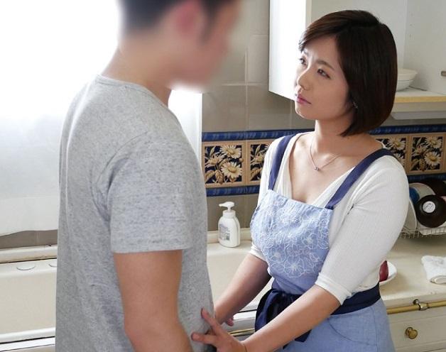 【熟女人妻NTR】《沖田いつき》娘の彼氏に膣奥を突かれイキまくり子作り中出し種付けセックスしまくる彼女の母