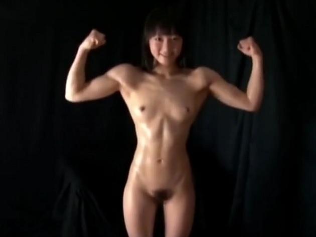 細マッチョ…いや、筋肉美少女ww妹系ルックスなのにこのマッスルボディのアンバランスさwwアイドル級美少女マッチョに触手攻撃w