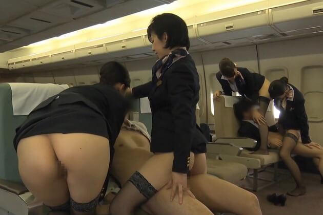 こんな「お・も・て・な・し」溢れる飛行機に乗ってみたい♪CAさん2人がかりで機内で責められるとか夢のまた夢ww