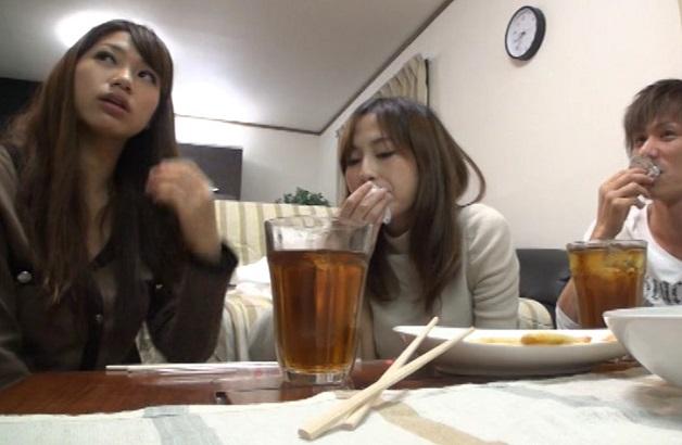 関東最大級の現役大学生やりサークルで不祥事発生し除籍処分となった問題映像を禁断流出!彼女を交換し酔って騒いでナマ乱交!