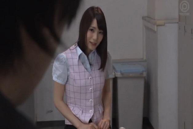 【鈴村あいり】「もっと近くで見たくないですか?」会社の更衣室で電マでオナニーしてる女子社員を目撃したら誘われたんだがww