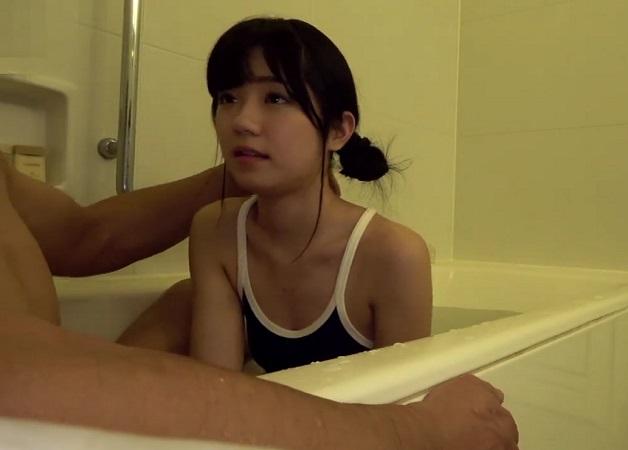 【有栖るる】ナンだこれ!?どう見てもJCじゃねーかwいいのか?しかもスクール水着でエロい舌使いしてるしw