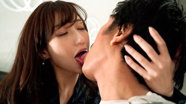 【相浦茉莉花】自営で肛門科を営む42歳の人妻女医!アラフォー熟女が初対面の男とガチンコ浮気セックス