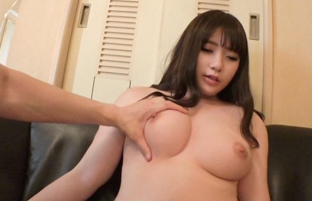 全体的にきめ細かい肌にハリのある美巨乳で20歳の女子大生と濃厚セックス!ルックスも可愛いくフェラテクもパイズリも最高!