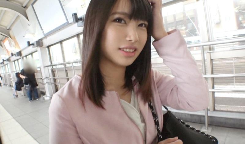 富山から上京してきた幼さが残る顔立ちの女子大生に種付けプレス張りに一気に奥まで肉棒を突きさす濃厚SEX
