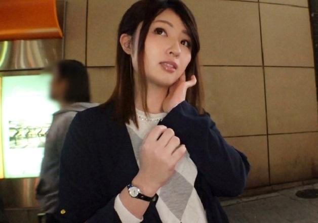 渋谷で料理教室の講師をしてる彼氏持ちの美女をナンパ!ボディタッチを増やしセックス開始し喉奥まで咥えるフェラのあと濃厚SEX!