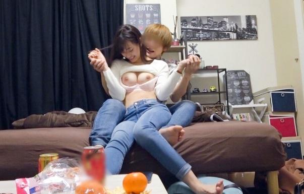 《美谷朱里》20歳の美少女OLをナンパ師のヤリ部屋にお持ち帰りし言葉巧みに服を脱がせ流れでドエロい盗撮セックス!