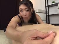 小早川怜子 目隠しをさせた敏感M男の乳首を責めながら濃厚フェラで抜き倒す美熟痴女!