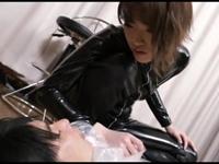 ラバースーツS女 窒息拷問!